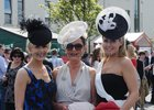 Kay Mulrooney, Taylors Hill, with her daughters dr Katherine and Dr Jane, at the Races on Tuesday evening